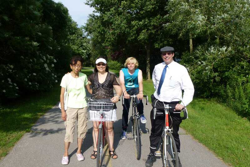 Bicycling Stan and friends